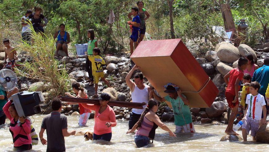 Colombianos expulsados de venezuela frontera