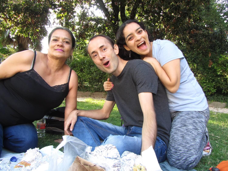 Comiendo en un parque de Venecia